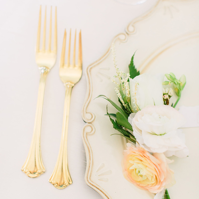 American Sentry Gold Flatware, Scallop Acrylic Charger
